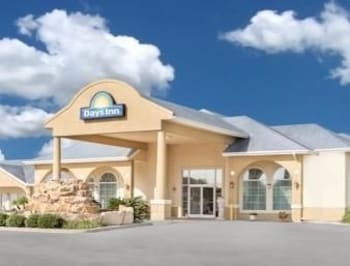 Picture of Days Inn Robstown in Robstown