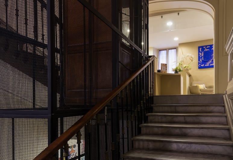 The Originals Boutique, Hôtel Le Seize, Nice Centre (Qualys-Hotel), Nice, Reception