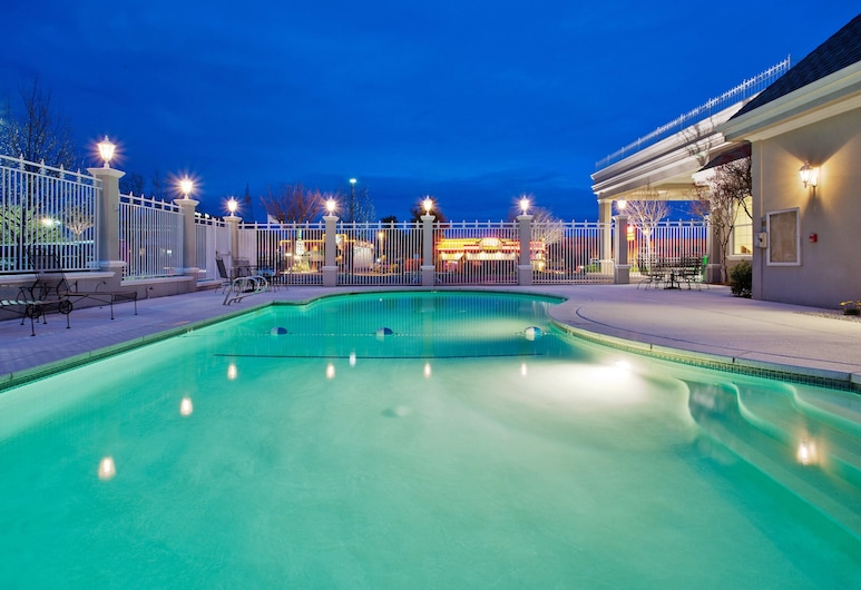 Holiday Inn Redding, Redding, Pool