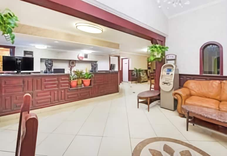 Ramada by Wyndham Flagstaff East, Flagstaff, Lobby
