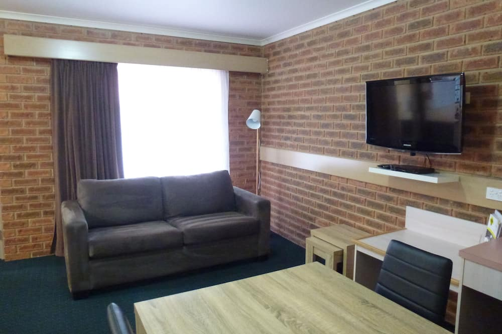 ファミリー スイート 2 ベッドルーム 簡易キッチン - リビング エリア
