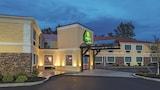 Hotel di Williamsville, Akomodasi Williamsville, Reservasi Hotel Williamsville Online
