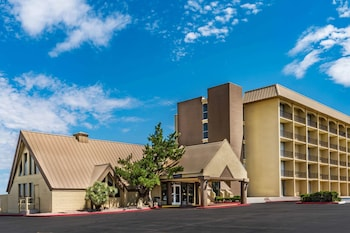 Picture of Howard Johnson by Wyndham Albuquerque Midtown in Albuquerque