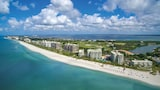 Choose This Luxury Hotel in Longboat Key