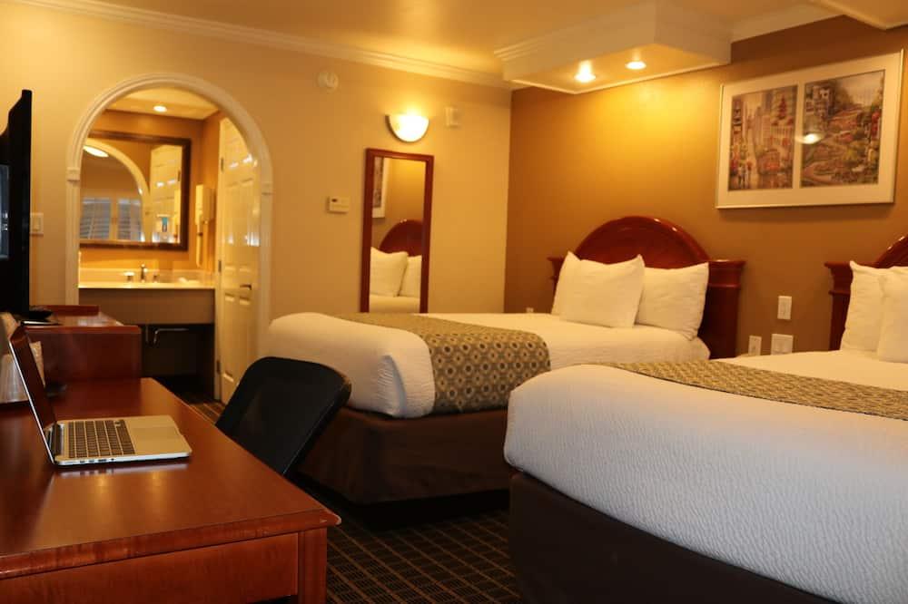 Standardna dvokrevetna soba, 2 bračna kreveta - Soba za goste