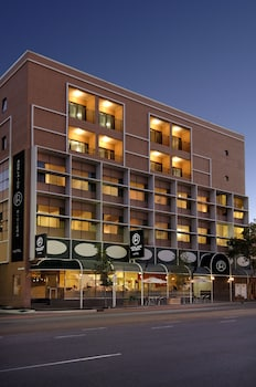Picture of Adelaide Riviera Hotel in Adelaide