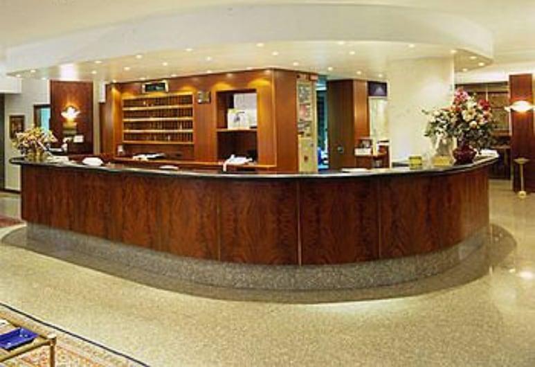 Hotel Crivi's, Milaan, Ingang van hotel