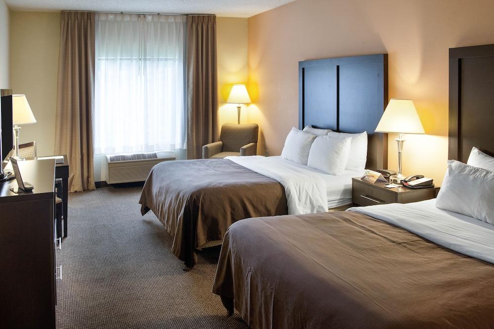 Quality Inn & Suites, Niles
