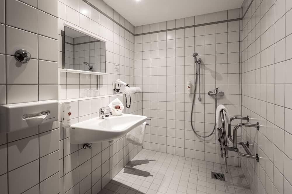 Номер, 1 односпальне ліжко, обладнано для інвалідів, для некурців - Ванна кімната