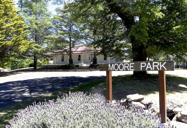 Moore Park Inn, Armidale