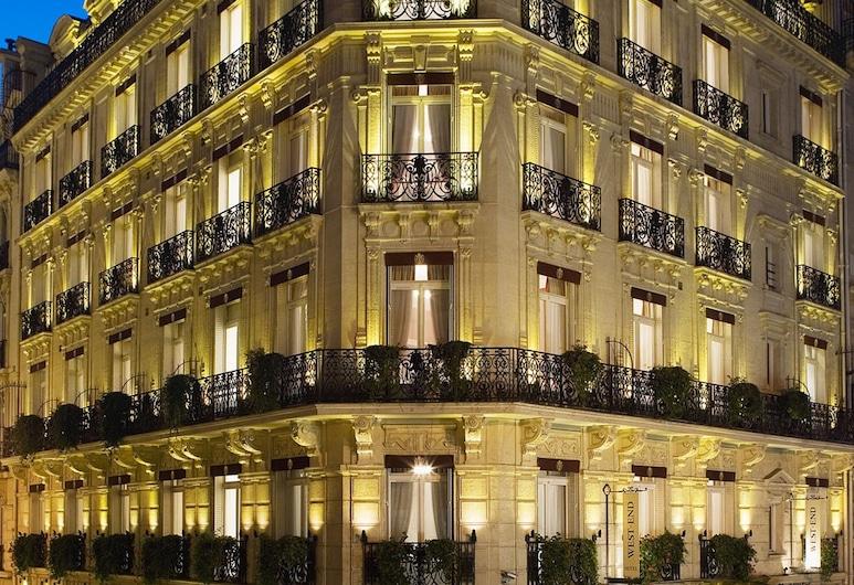 West End Hotel, Paris, Hotelfassade am Abend/bei Nacht
