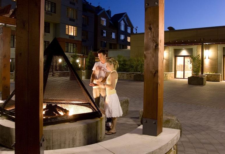 Hilton Whistler Resort & Spa, Whistler, Property Grounds