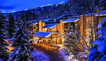 Enter your dates to get the Whistler hotel deal