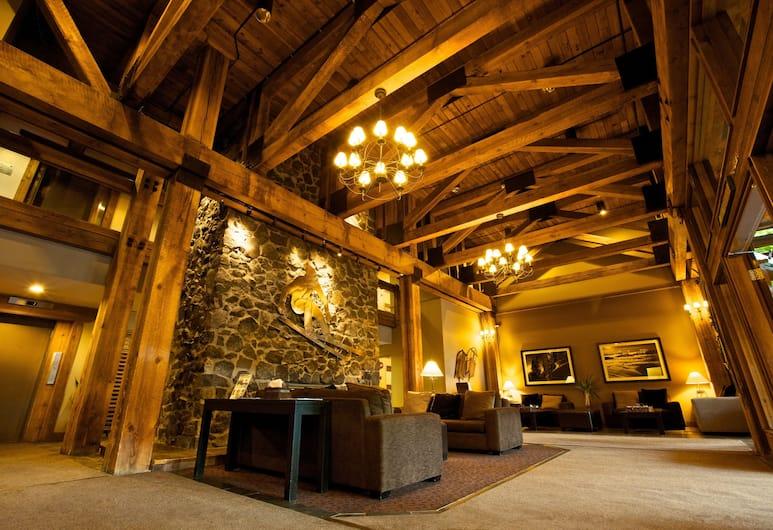 Tantalus Resort Lodge, Whistler, Lobby Sitting Area