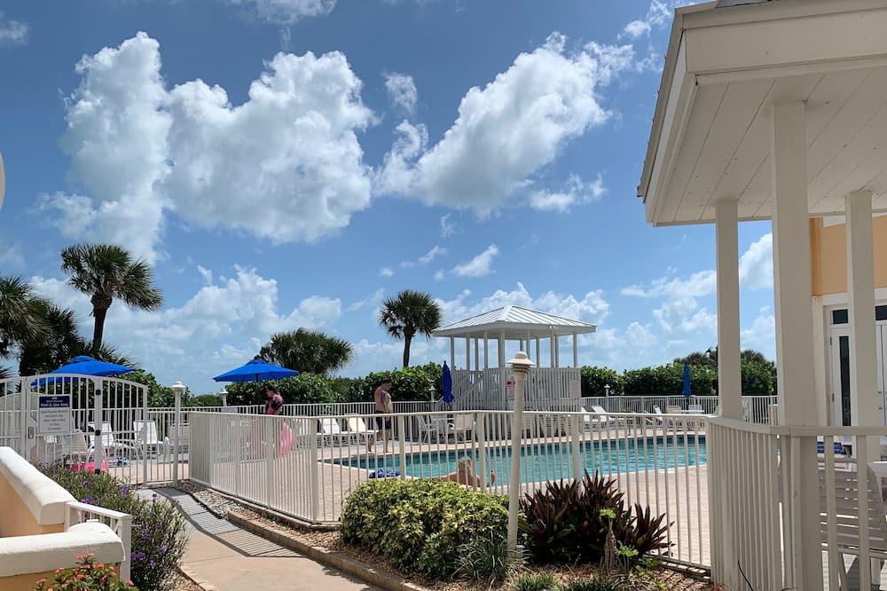 Appart'hôtel Standard, 1 chambre, patio - Vue de la chambre