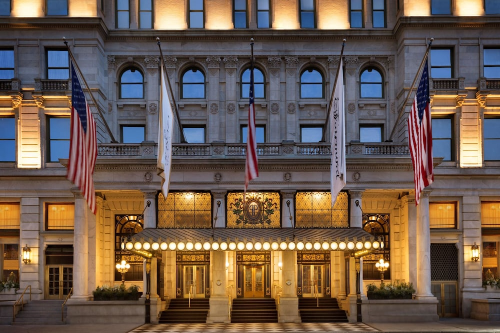 The Plaza Hotel, New York, Hotellets front