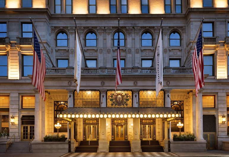 The Plaza Hotel, New York, Voorkant hotel