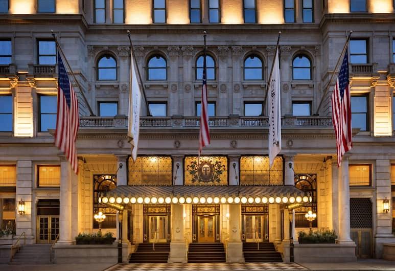 The Plaza Hotel, New York, Hotel homlokzata