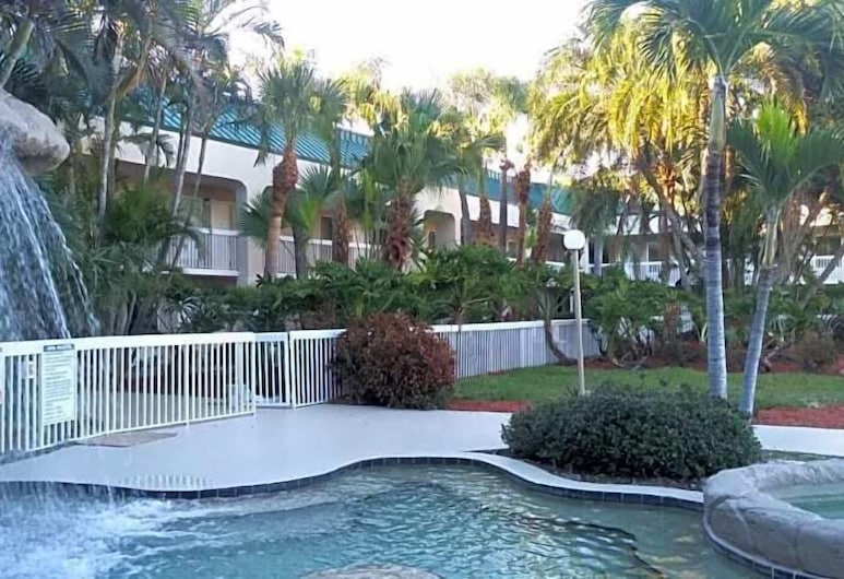 SureStay Plus Hotel by Best Western Clearwater Central, Clearwater