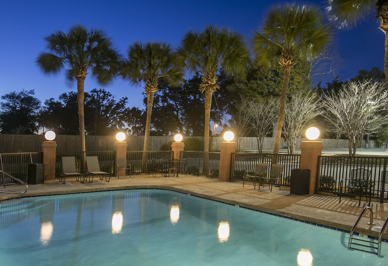 Holiday Inn Express Biloxi - Beach Blvd, Biloxi, Πισίνα