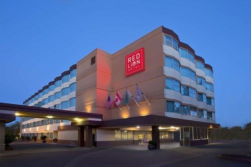โรงแรมเรดไลอ้อน