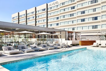 Picture of AC Hotel by Marriott Pleasanton in Pleasanton