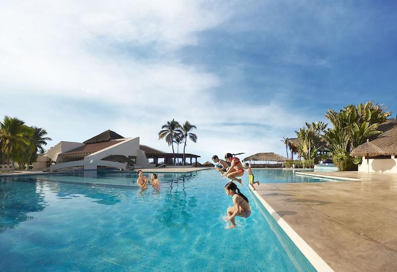 伊斯塔帕海灘皇家公園飯店, 伊斯塔帕, 室外游泳池
