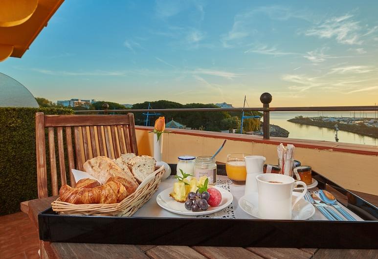 Ermitage de l'Oasis - Cannes Mandelieu, Mandeljēlanapūla, Luksusa numurs, skats uz jūru, Viesu numurs