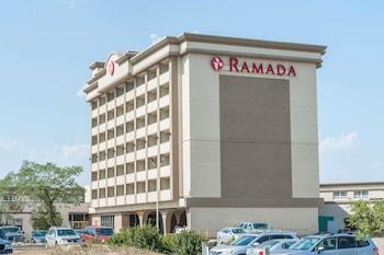 Picture of Ramada by Wyndham Edmonton South in Edmonton