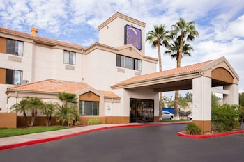 Picture of Sleep Inn Phoenix Sky Harbor Airport in Phoenix