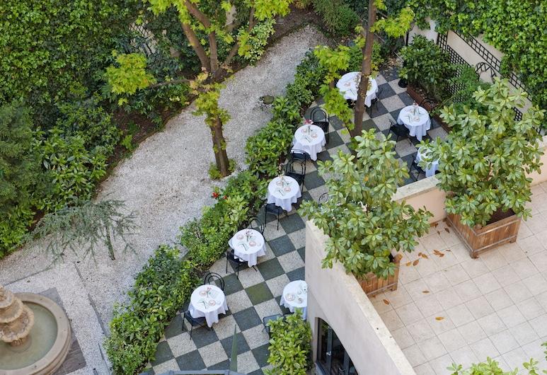 Opera Cadet Hotel, Paris, Speisen im Freien