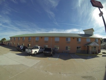 Picture of Red Carpet Inn And Suites in North Sioux City