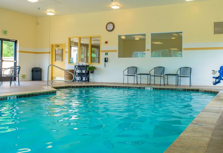Comfort Suites Springfield RiverBend Medical, Springfield, Havuz