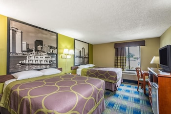 Picture of Super 8 by Wyndham Sulphur Lake Charles in Sulphur