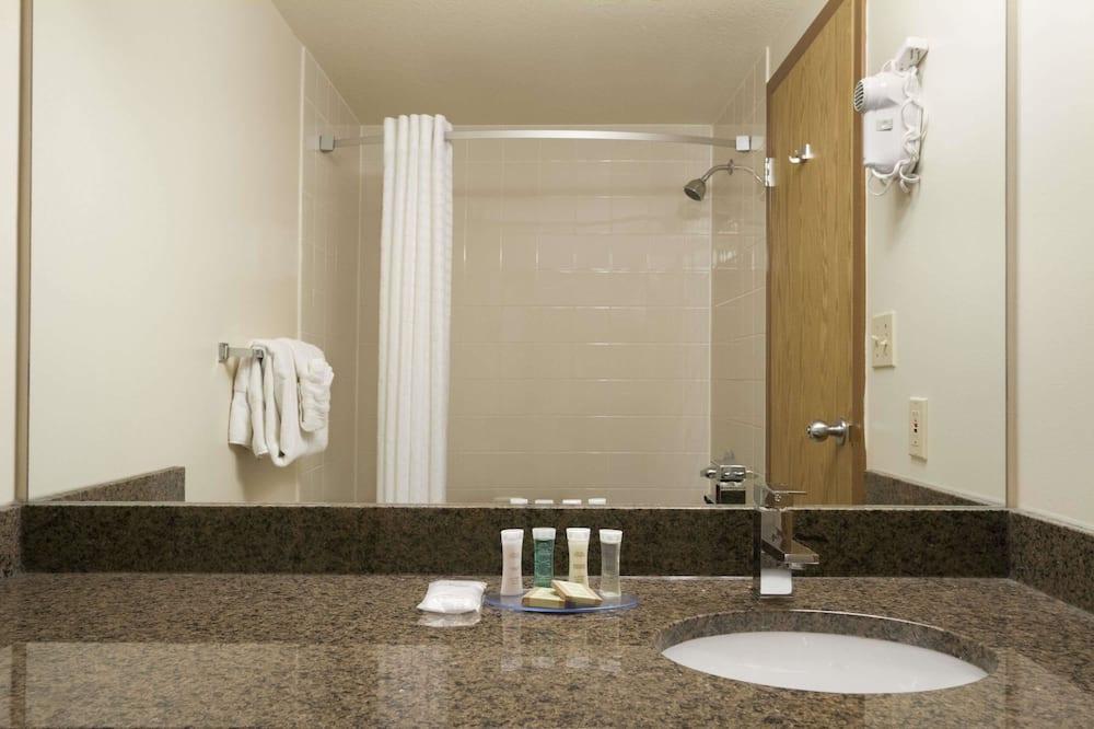 Suite, 1 Schlafzimmer, Nichtraucher (1 Queen Bed) - Badezimmer