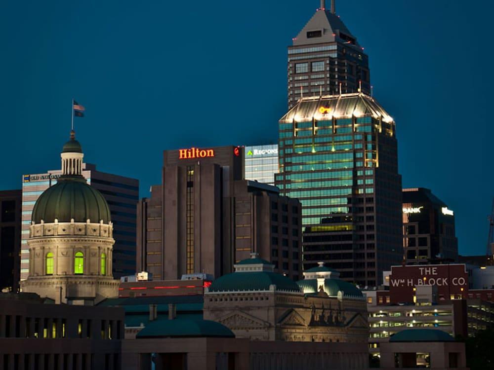 Hilton Indianapolis Hotel & Suites, Indianapolis