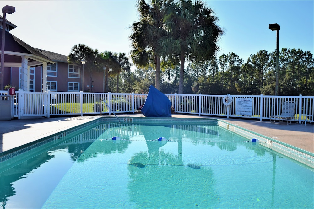 Quality Inn Conference Center At Citrus Hills Hernando Outdoor Pool