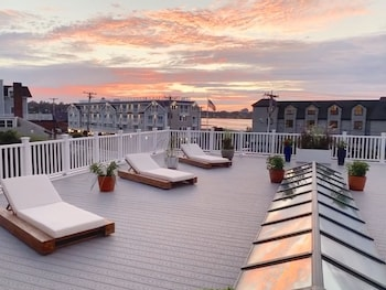 Picture of Atlantic Beach Hotel Newport in Middletown