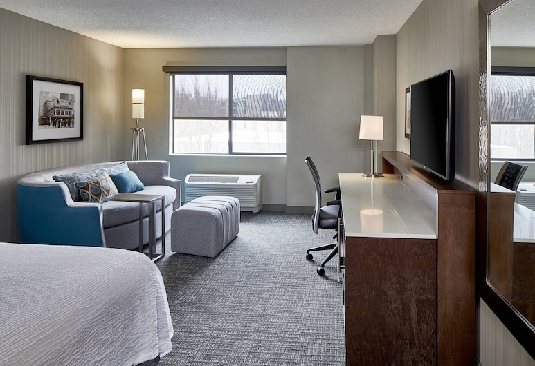Courtyard by Marriott Seattle Sea-Tac Area, Tukwila, Room, 1 King Bed, Guest Room