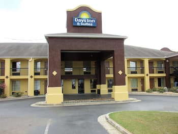 Picture of Days Inn Fort Valley GA in Fort Valley