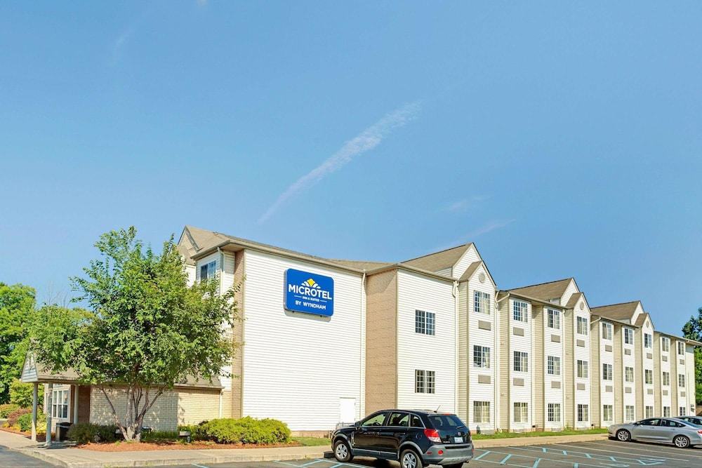 Microtel Inn Suites By Wyndham Roseville Detroit Area