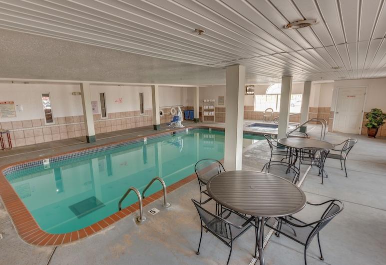 Microtel Inn & Suites by Wyndham Oklahoma City Airport, Oklahoma City, Medence