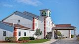 Choose This Cheap Hotel in Auburn