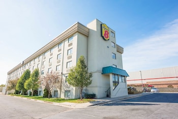 Picture of Super 8 Frederick in Frederick