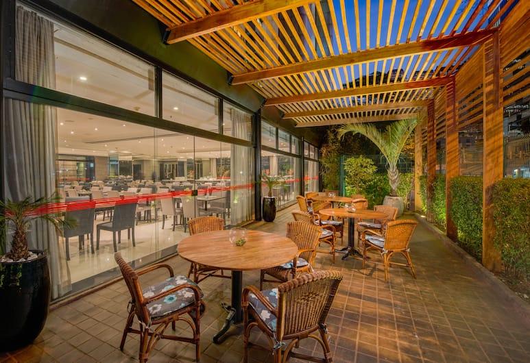 Transamerica Berrini, San Paulas, Restoranas