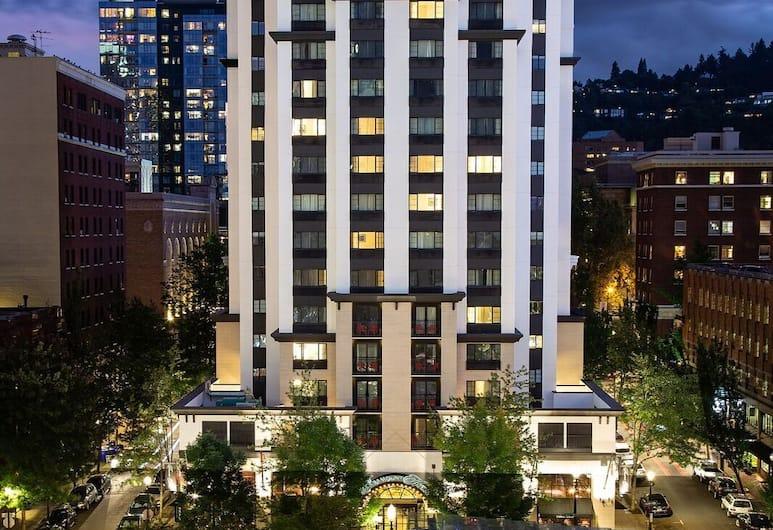 The Paramount Hotel, Portland, Bahagian Luar