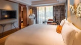 Choose This Luxury Hotel in Singapore