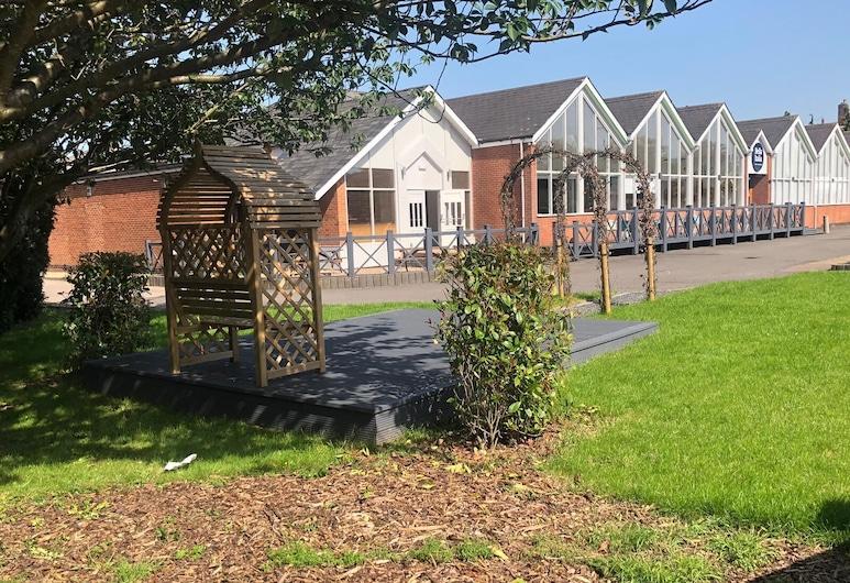 Holiday Inn Leicester - Wigston, Wigston, Zahrada