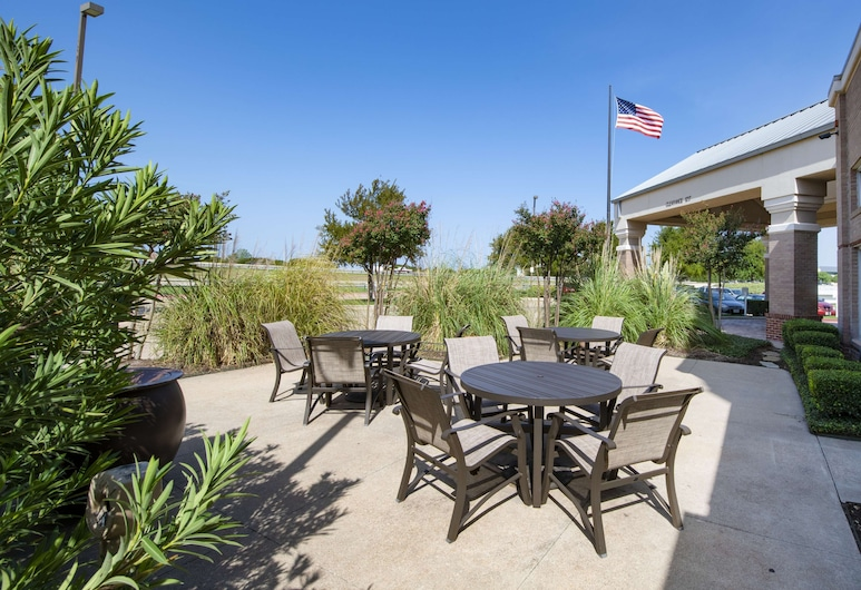 Hampton Inn & Suites N. Ft. Worth-Alliance Airport, Fort Worth, Terrazza/Patio