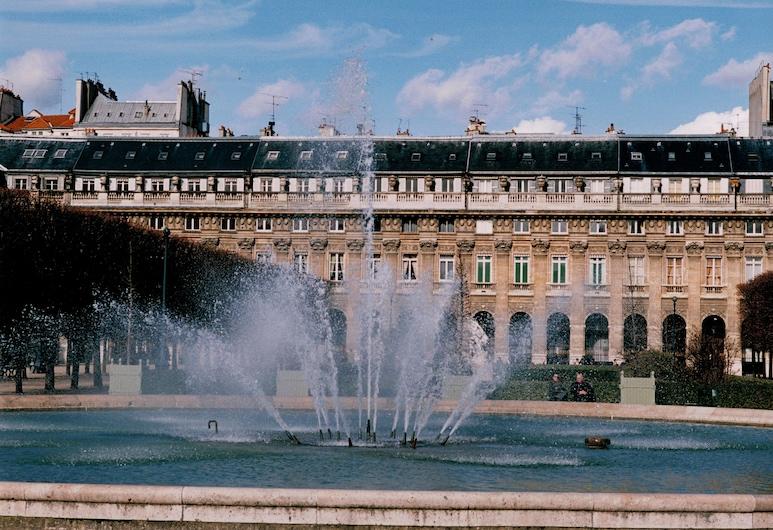 Hotel Louvre Piemont, Paris, Fountain